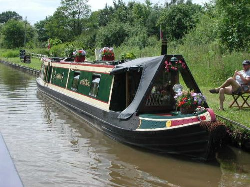 residential boat with'garden'