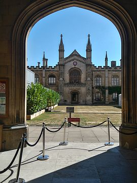 photo of the entrance to Corpus Christi College