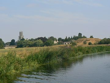 photo of Fotheringhay castle mound